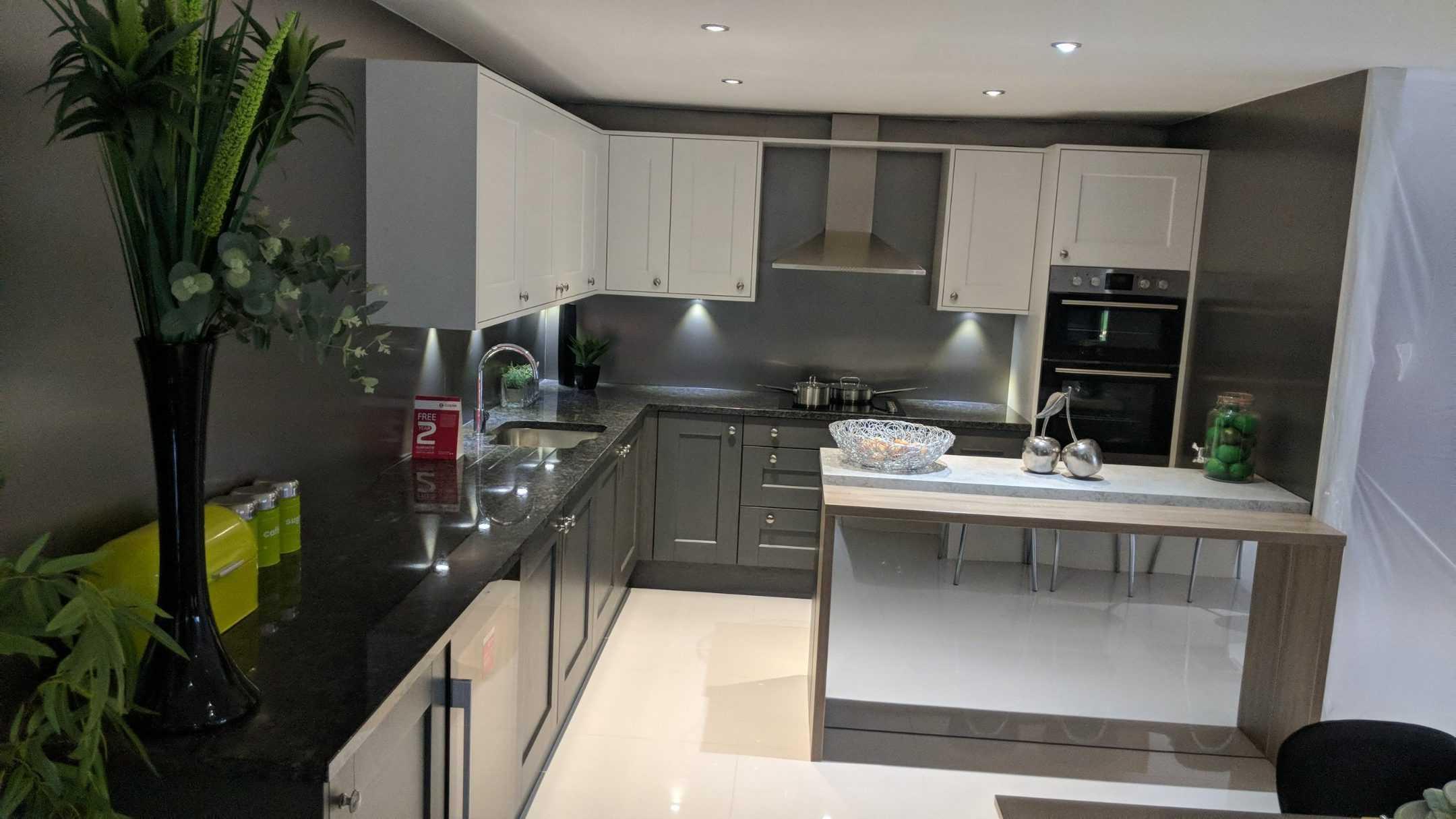neon ex-display kitchen - Glasgow showroom